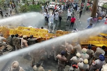 Police Use Water Cannon, Tear Gas to Disperse BJYM Activists Trying to Lay Siege to Punjab CM's House