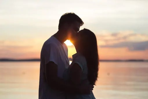 International Kissing Day: Know About Its History And Importance