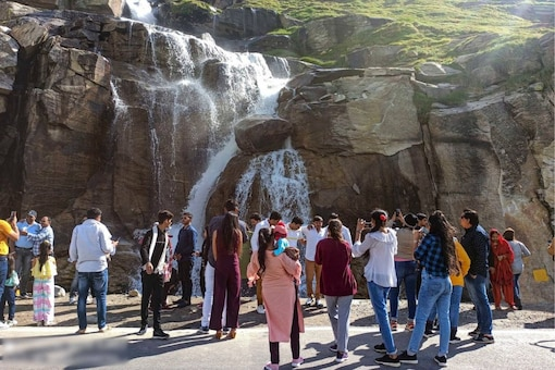 hese spots include Bhushi dam, various points in Lonavala and Khandala, Sinhgad Fort, Panshet, Varasgaon dam among others.(Image for representation: PTI Photo)