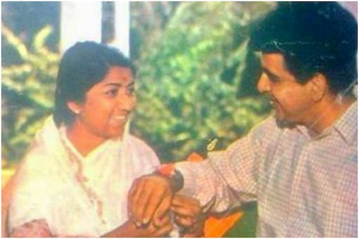 Lata Mangeshkar and Dilip Kumar in throwback picture