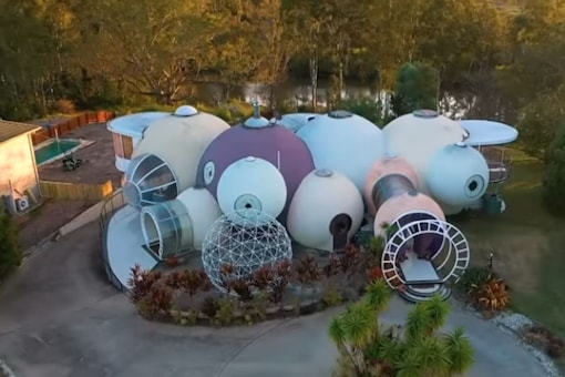 Video grab of the Bubble House. (Credit: YouTube)