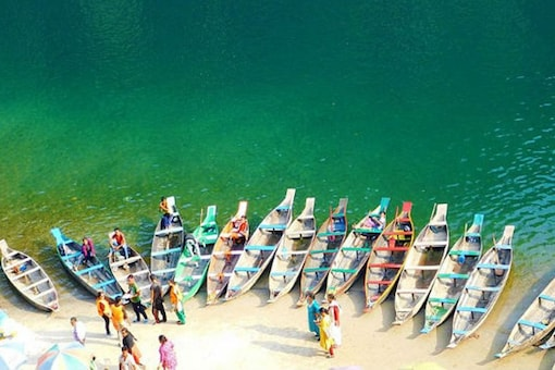 The Umngot River Boating at Dawki. (Wikimedia commons)