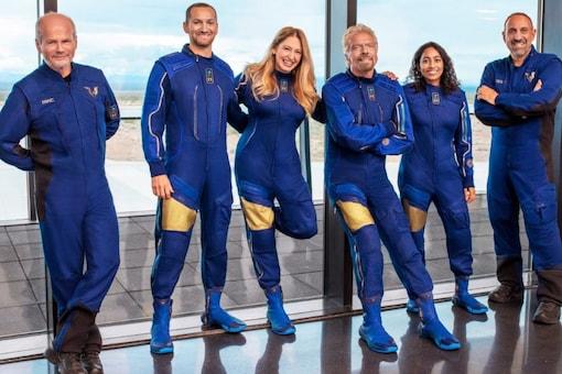 VSS Unity 22 Crew (From the left: Dave Mackay, Colin Bennett, Beth Moses, Richard Branson, Sirisha Bandla and Michael Masucci)