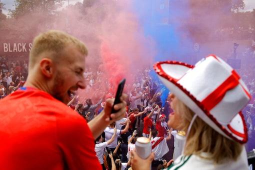 England fans (AP)