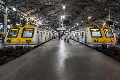 Local trains are Mumbai's lifeline, carrying around 70 lakh passengers daily. (Image: Shutterstock)