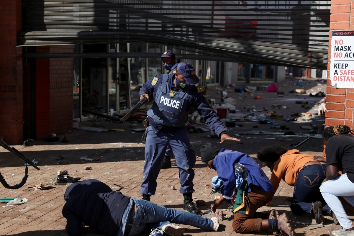 10 Dead in South Africa Riots Over Jailing of Ex-leader Zuma