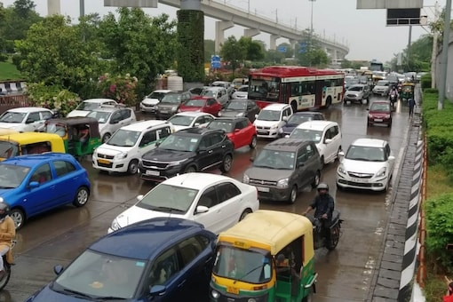 The weather office has predicted heavy rainfall at isolated places in the city on Sunday. (News18)