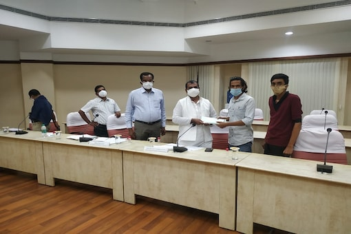 Chinta Bar members submitting representational to National Commission for Scheduled Castes (Image Courtesy: Chinta Bar)