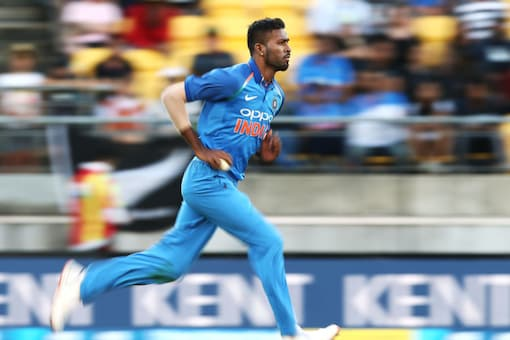 Hardik Pandya's bowling issues has caused a lot of problem in team selection.