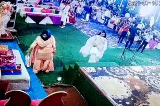 Watch: Kid, Dressed In Classy Attire, Steals Jewellery Bag At Wedding In Gwalior