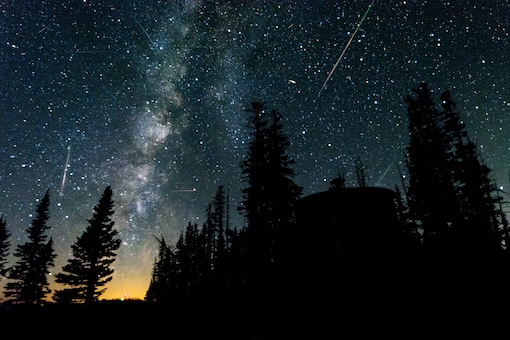 SkyWatchers will see a meteor shower tonight. (Image Credits: Shutterstock/Representational)