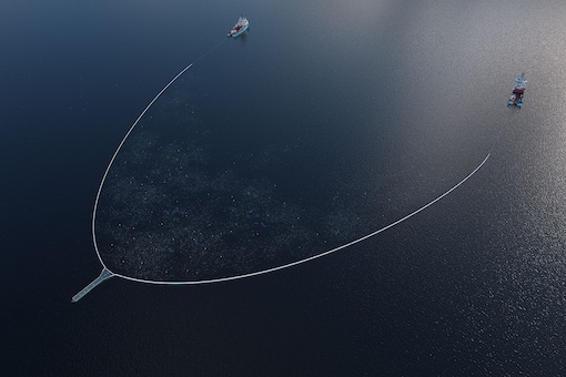The System 002, nicknamed 'Jenny' will be heading towards the Great Pacific Garbage Patch soon. (Image Credit: The Ocean Cleanup/Twitter)