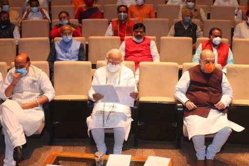 PM Narendra Modi, Amit Shah and Rajnath Singh among others attend the BJP parliamentary party meet. (News18)