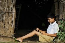 Tamil Nadu Boy Overcomes Smartphone Poverty, Scores 91% in Class 12 Exams