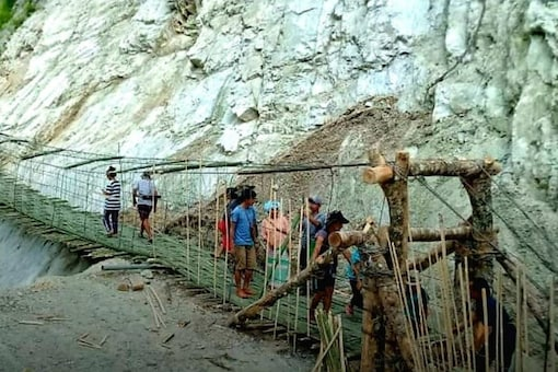 Approximately 30-meters long, the bridge will ease the woes of people of Siang, West Siang, Shi-Yomi and Upper Siang districts.