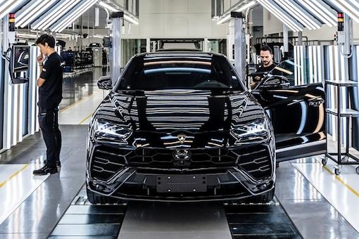 The Lamborghini Urus has crossed the impressive production milestone of 15,000 units. (Photo: Lamborghini)