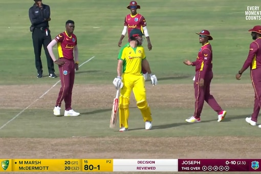 Mitchell Marsh walked only after a review was taken. Pic: Fox Cricket on Twitter