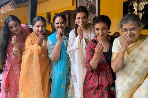 Dia Mirza posts priceless throwback photo featuring Shabana Azmi and Divya Dutta on Eid.