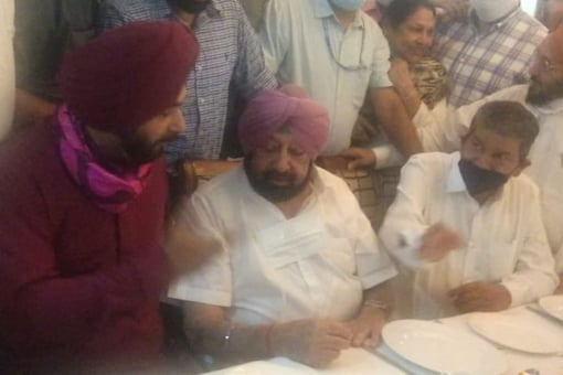 Navjot Singh Sidhu and Punjab chief minister Captain Amarinder Singh meet over a cup of tea, bringing weeks of discord to an end.