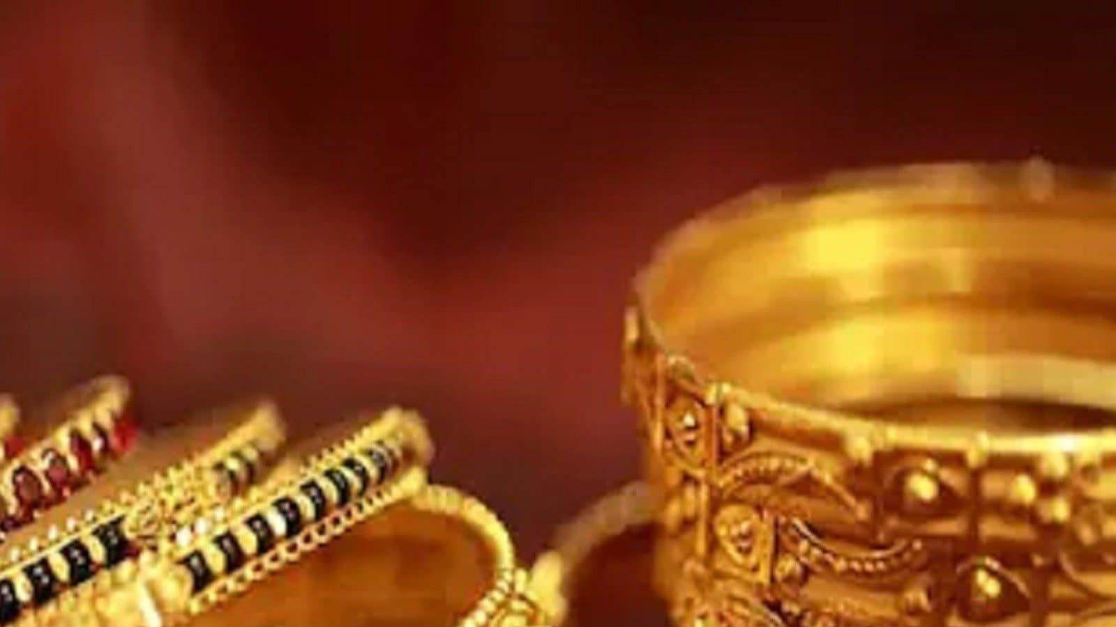Gold Price Today Below Rs 47,500; Silver Drops for Second Day. Should you Hold or Sell?