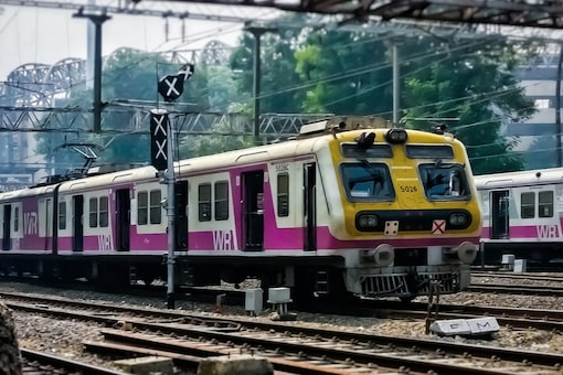 There will be no mega block on Main Line of the Central Railway. (Representational Image: Shutterstock)