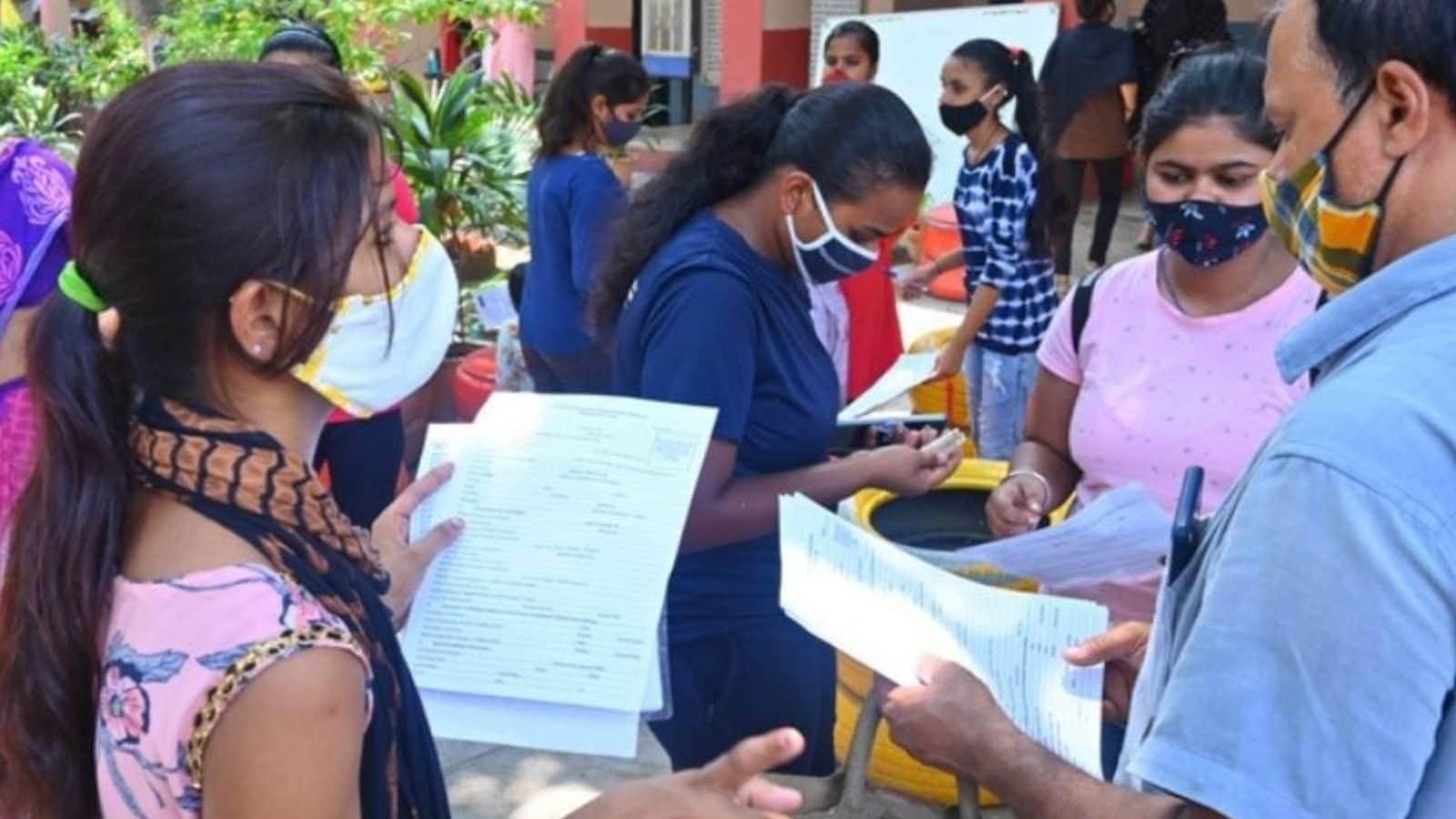 Karnataka to Reopen Colleges Tomorrow, COVID Vaccine Mandatory