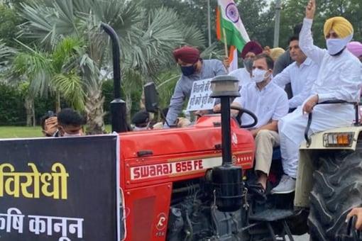 Rahul Gandhi protests against farm laws.