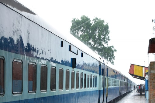 The train has sleeper class, second class, 2A, and 3A category coaches.