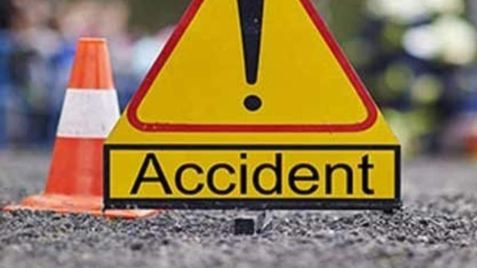 Bus Overturns in MP; 13 Injured, 3 of Them Critical
