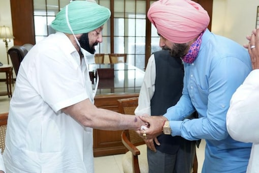 Navjot Sindhu was recently made Congress's Punjab chief after days of feuding with Chief Minister Amarinder Singh. (Twitter)