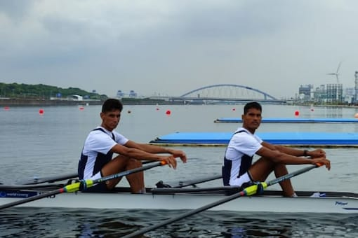Indian rowers Arjun Lal Jat and Arvind Singh at Tokyo 2020 (Twitter)