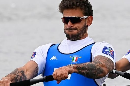 Rosetti is not eligible to receive an Olympic medal, despite having featured in earlier rounds, World Rowing confirmed.