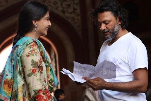 Actor Sonam Kapoor and director Rakeysh Omprakash Mehra on the sets of Delhi-6.