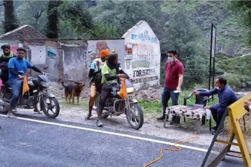 No fee will be charged from the owners of vehicles registered in Himachal Pradesh.