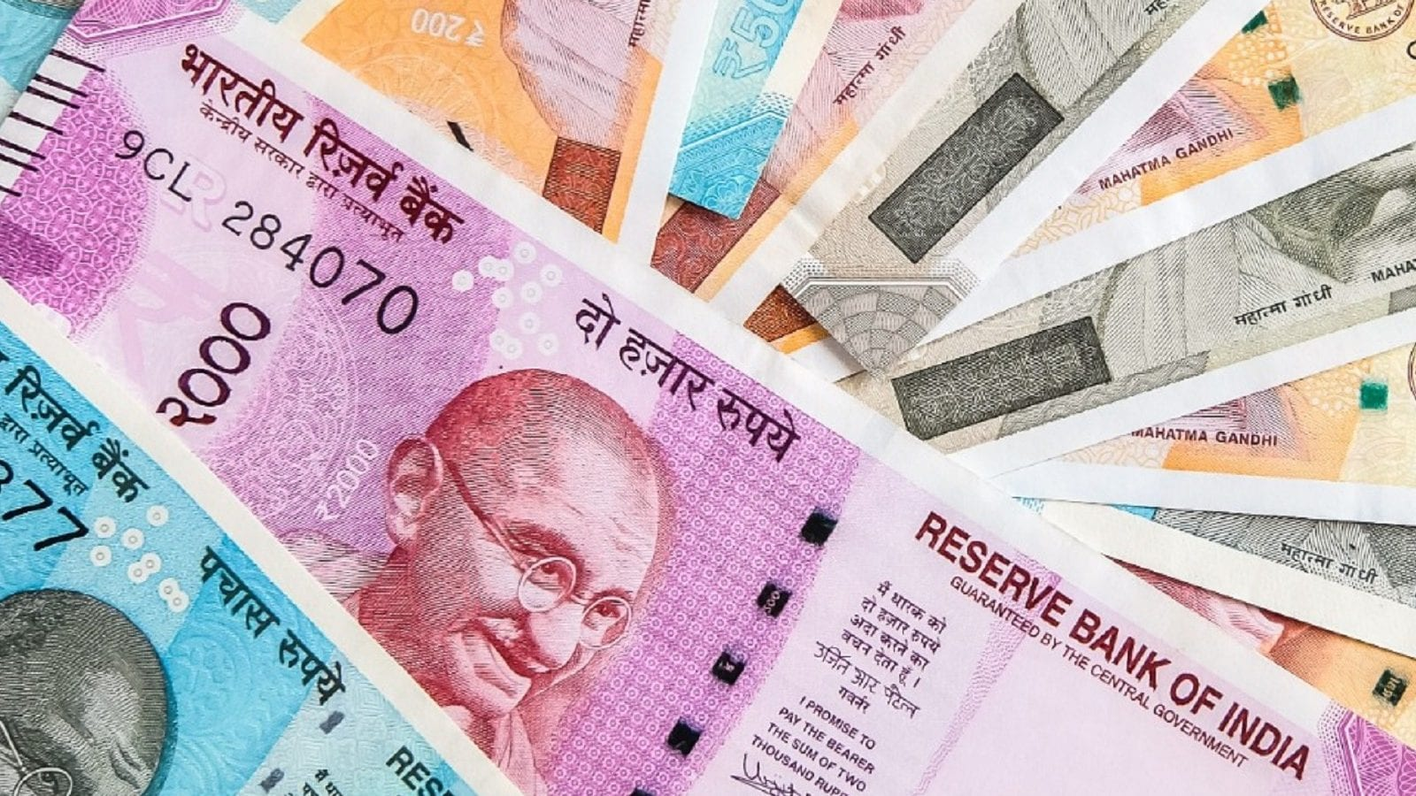 Central Govt Employees: Change in Monthly Gross Basic Salary, DA, DR, Latest Updates