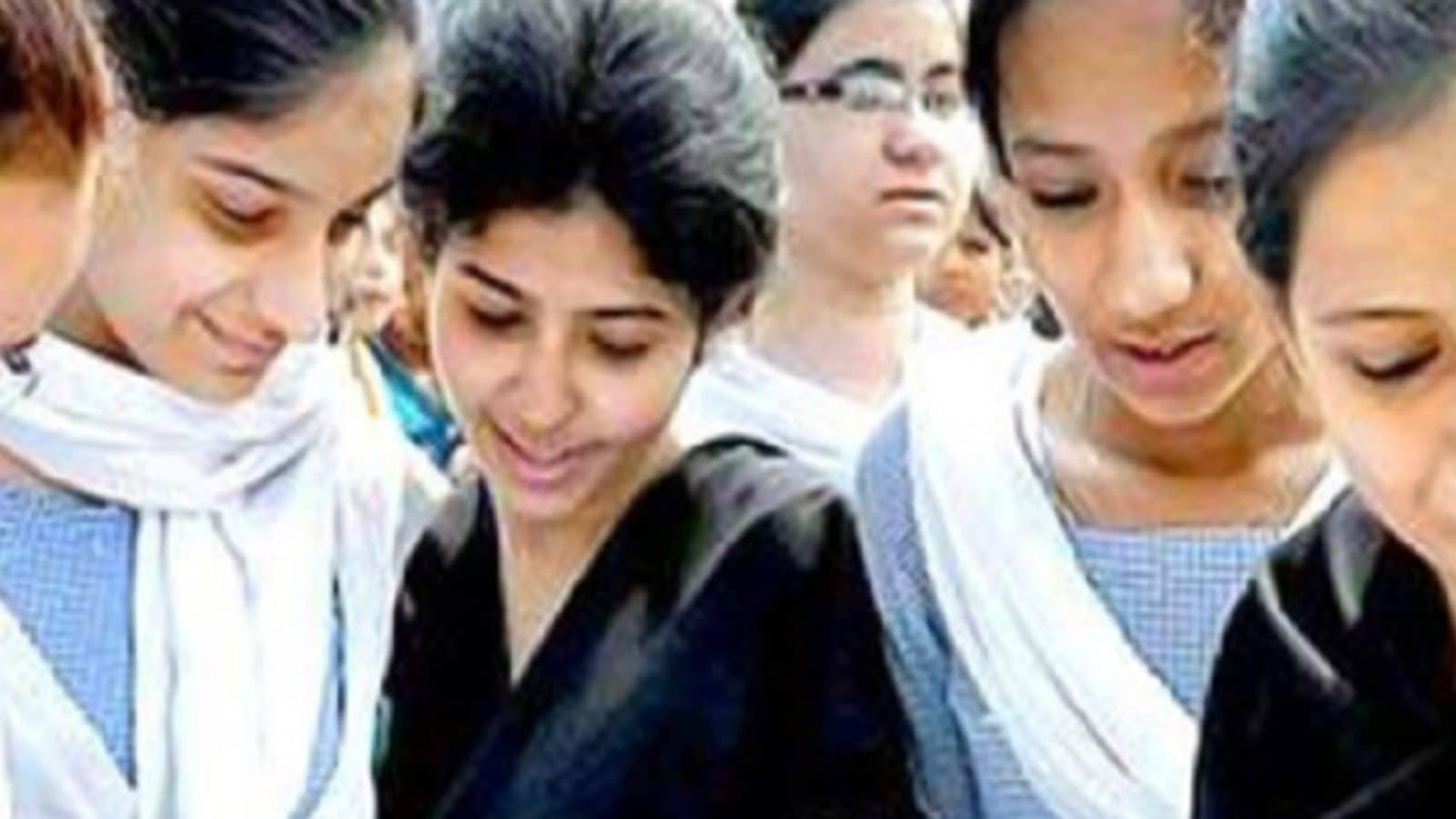 CBSE Result 2021: Don't Spike 95%+ Scorers, Schools Asked to Moderate Marks
