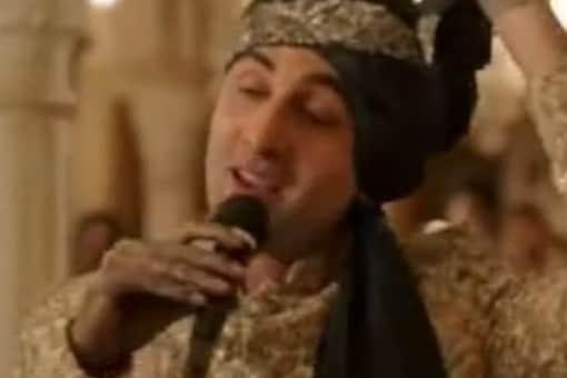 In Badshah's edit, Ranbir Kapoor's chracter sings 'Baawla' instead of 'Channa Mereya'. (Credits: Instagram/@badboyshah)