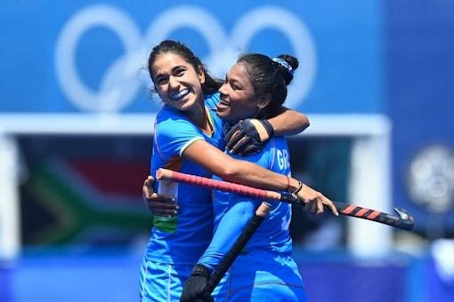 Indian women's hockey team make the Olympic quarter-finals. (IANS Photo)
