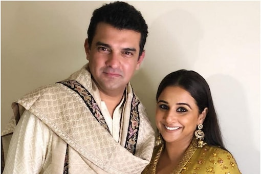 Siddharth Roy Kapur with wife Vidya Balan. They tied the knot on December 14, 2012. (Image: Instagram)