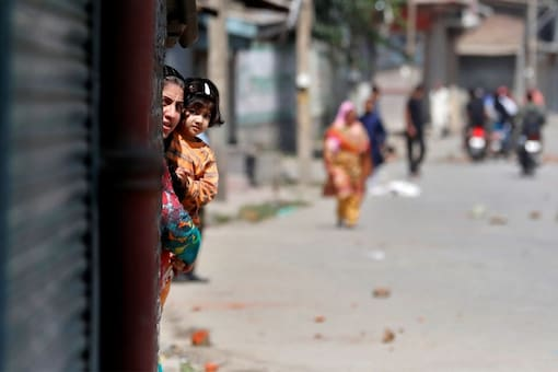 Kashmiri Pandits became India's largest-ever population of internally displaced people. Representational image/Reuters
