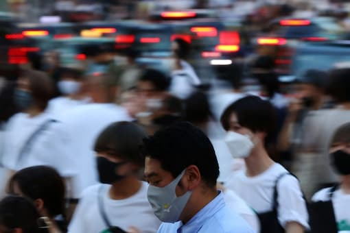 Tokyo reported a record 4,166 new cases on Wednesday while nationwide new cases topped 14,000. (Photo: Reuters)