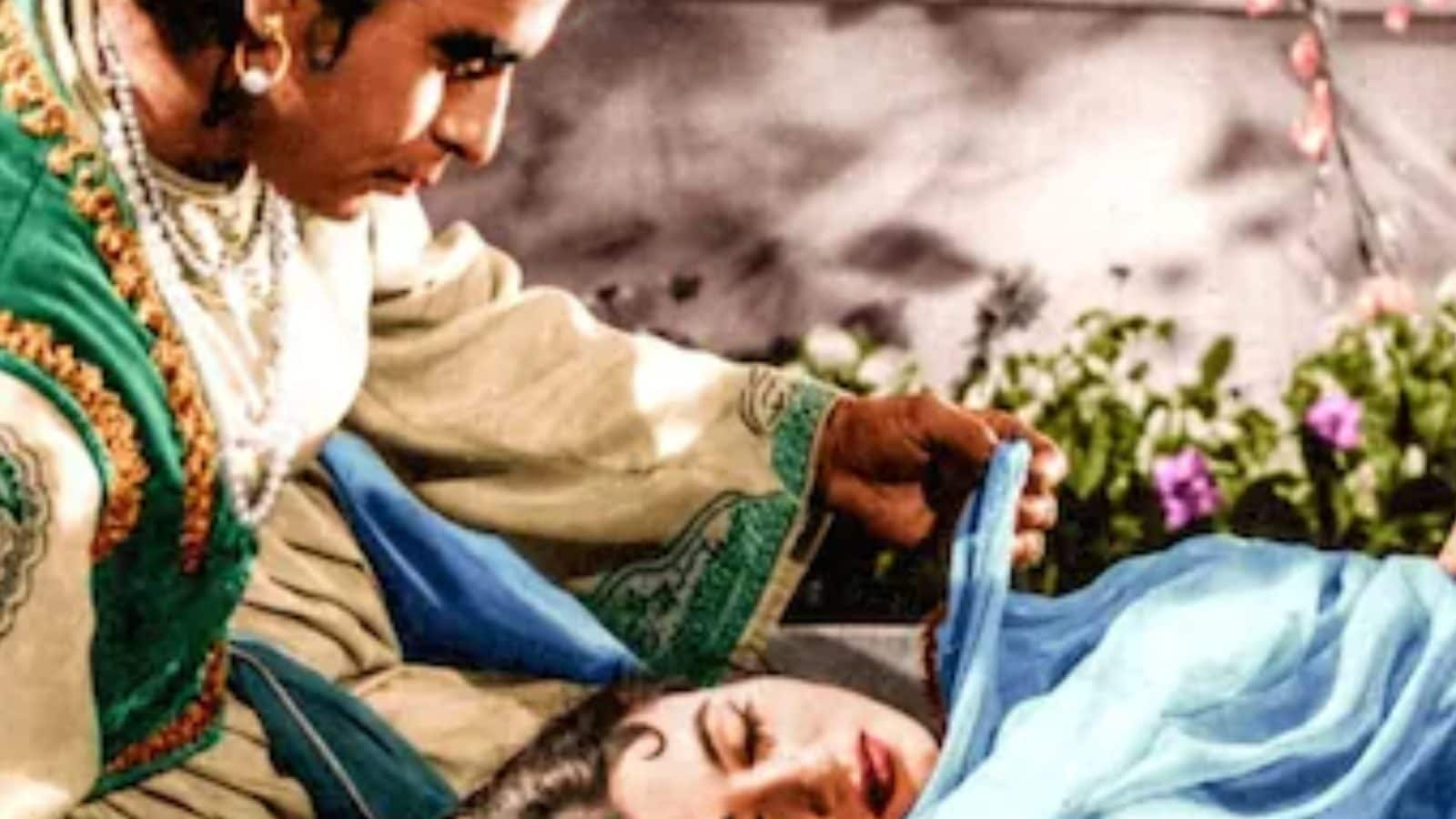 Dilip Kumar, Madhubala Were Not Even 'Greeting Other' While Shooting Iconic Romantic Scene