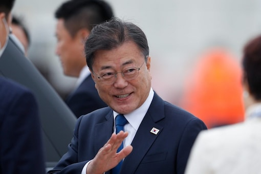 President Moon Jae-in attended an underwater ejection test of the SLBM aboard the new 3,000 ton class Dosan Ahn Chang-ho submarine commissioned last month. (Reuters)