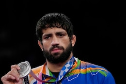 Ravi Dahiya Gets Silver Medal After Losing in Men's 57 Kg Wrestling Final; Takes India's Medal Tally to Five