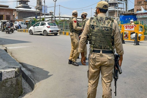 Jammu and Kashmir Director General of Police (DGP) Dilbag Singh disclosed on Wednesday that Pakistan-based terror outfits, including the Lashkar-e-Taiba (LeT) and the Jaish-e-Mohammad (JeM), are planning major strikes in the Union Territory.(Image: PTI)