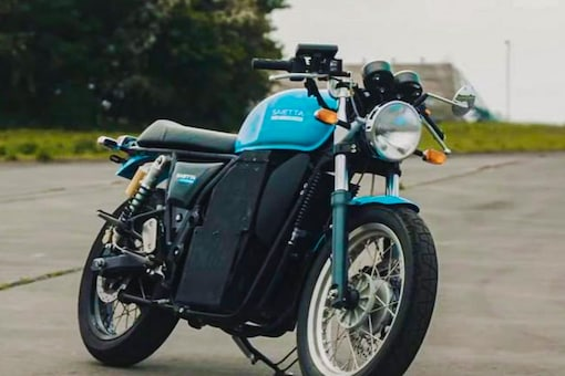 This is how a Royal Enfield Continental GT 650 converted to an electric motorcycle looks like. (Photo: Saietta)