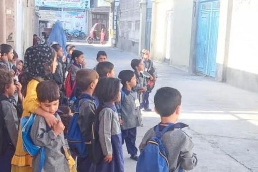 Afghan children show up to a school that was closed due to security issues. (Credits: Instagram/@mazzhakim)