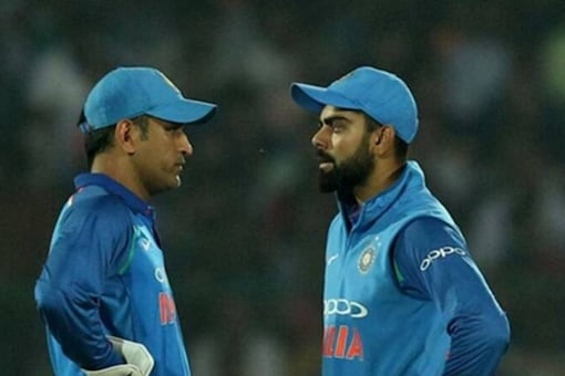 MS Dhoni and Virat Kohli in their India jerseys.