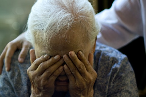 The US has 6.2 million Alzheimer's patients and 73,000 beds in specialist treatment centres, while China has double the cases but fewer than 200 beds. (Image Credits: Shutterstock/Representation)