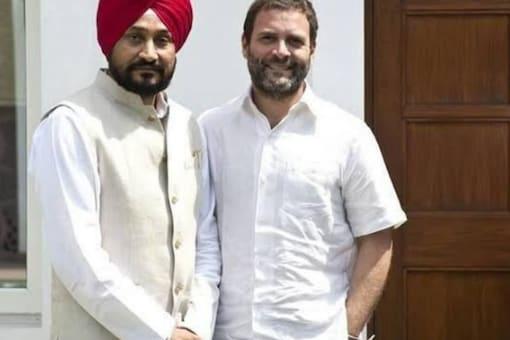 Charanjit Singh Channi and Rahul Gandhi. (Image: Twitter)
